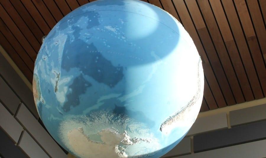 jacklyn-hayes-shidler hall globe-900x535